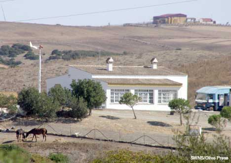 Jenkins' farmhouse in Medina Sidonia with some of the surviving horses and the horse box in evidence