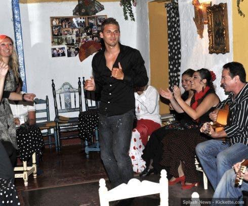 David Bentley enjoys a spot of dancing at a restaurant in Marbella
