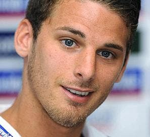 David Bentley quits 'boring football' to focus on La Sala