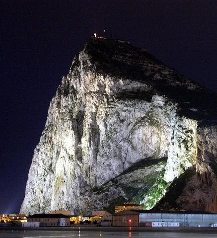 Tensions rise between UK and Spain over Gibraltar