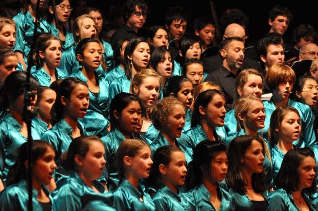 Oz pupils perform concert in Andalucia
