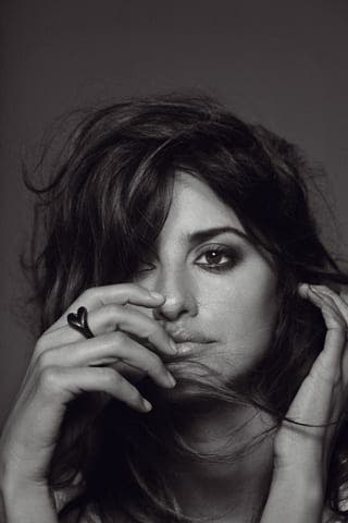 penelope cruz vogue 2010. Pregnant Penelope Cruz in AIDS campaign thumbnail