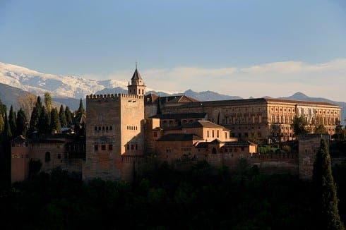 Experts pour cold water on scheme to connect Alhambra with Granada city via lift and tunnel