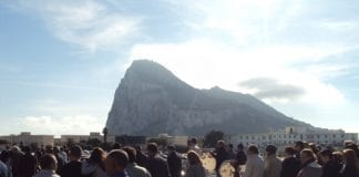 Pay protest shuts border between Gibraltar and Spain