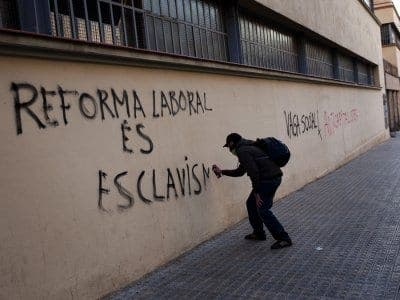 Spain cuts budget by 27 billion euros