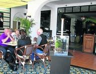 In Boca: Alberts Bar & Grill