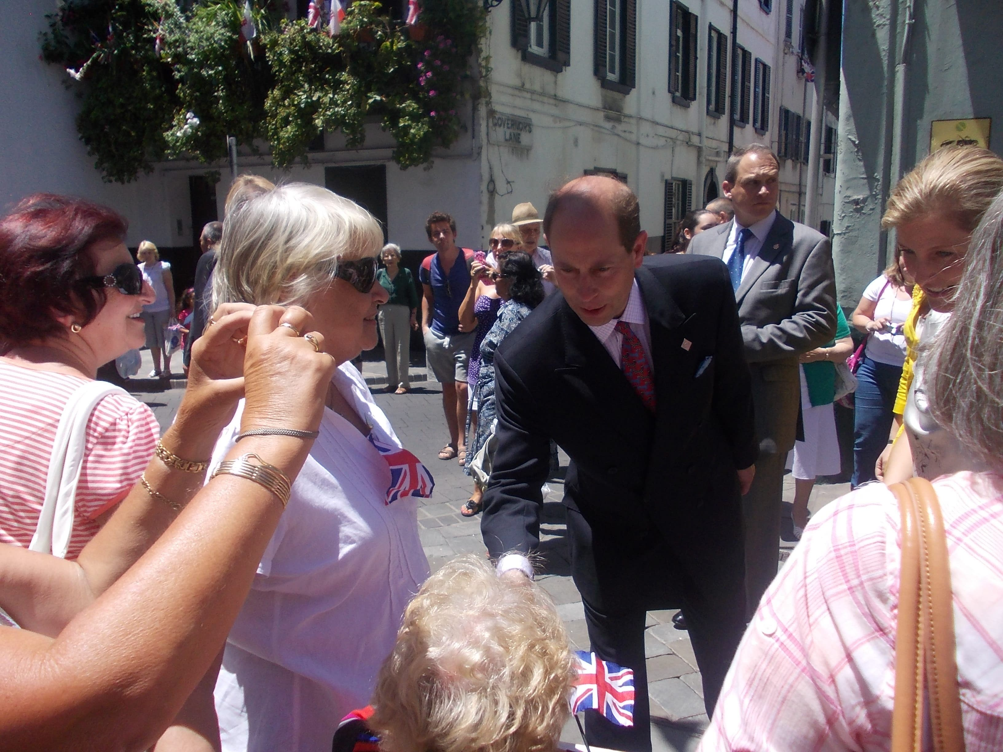 A joker like his dad – Prince Edward arrives in Gibraltar