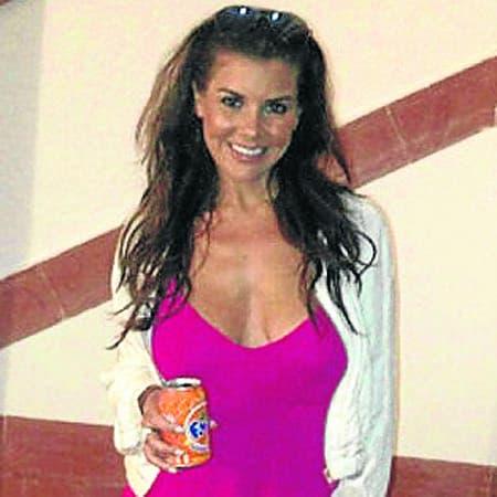Imogen Thomas shows off Spanish tan