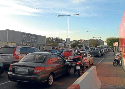 Motorists forced to wait hours getting in and out of Gibraltar