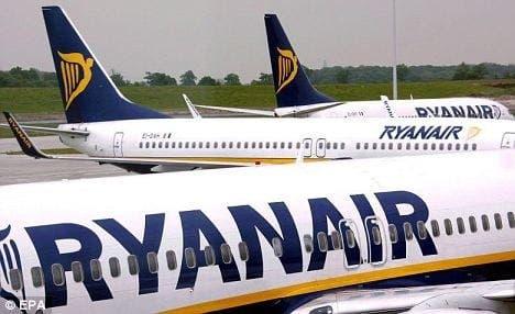 Ryanair earns €900 million despite drop in passenger numbers