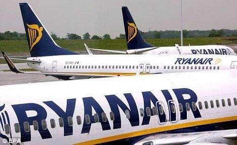 Ryanair guides two British families onto the wrong plane