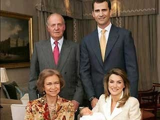 Spain's Royal family takes pay cut
