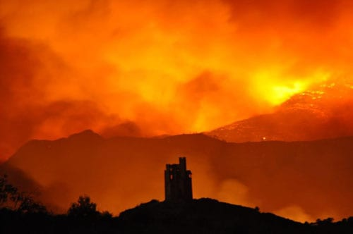 Thousands evacuated as forest fire spreads along Costa del Sol