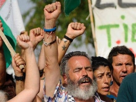 'Robin Hood' mayor marches across Andalucia