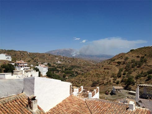 Forest fire burns in the Axarquia