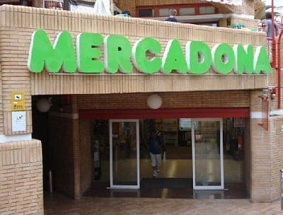 Major shopping chains in Spain promise to absorb IVA increases