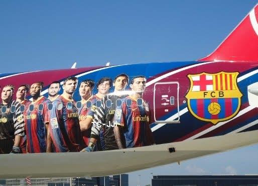 Barcelona FC demands all-female flight crew
