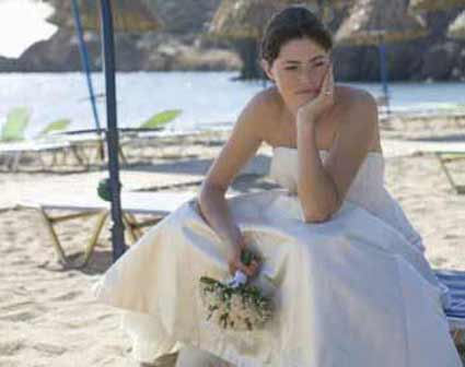 Wedding planner accused of fleeing Spain with couple's money
