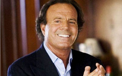 Julio Iglesias claims to have been given over €5 million in government cash