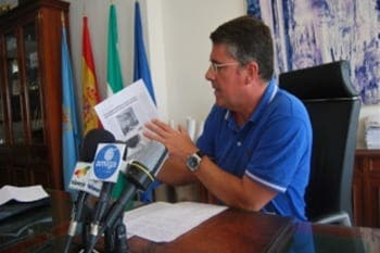 Nerja's mayor accused of deceiving public