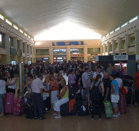 Malaga airport has not turned aircon off, insists spokesman
