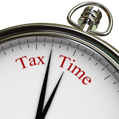 Expats warned not to miss tax deadline