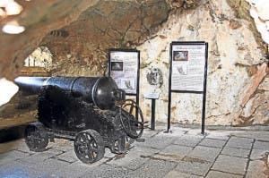gibraltar-siege-tunnel2-490x367