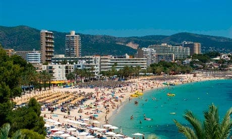 Brit seriously injured in Mallorca balcony fall