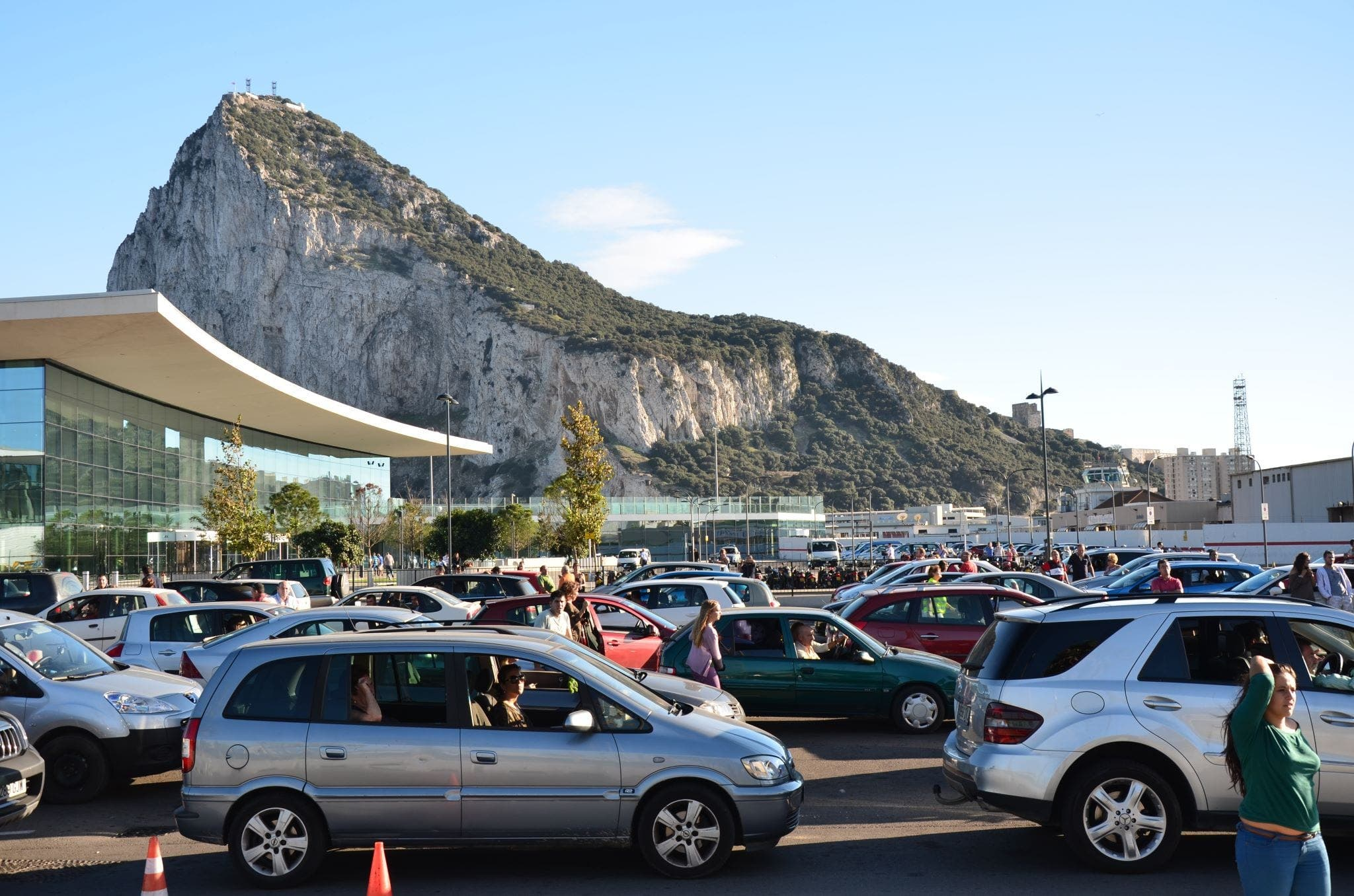 UK threatens to sue Spain over Gibraltar border delays