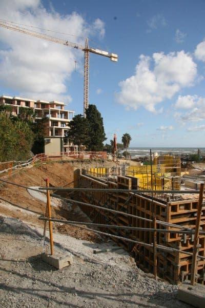 Demolition begins on parts of controversial Santa Marta hotel