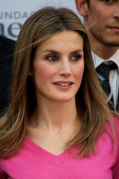 Fashion Queen Letizia boosts Spain's crisis-hit clothing industry