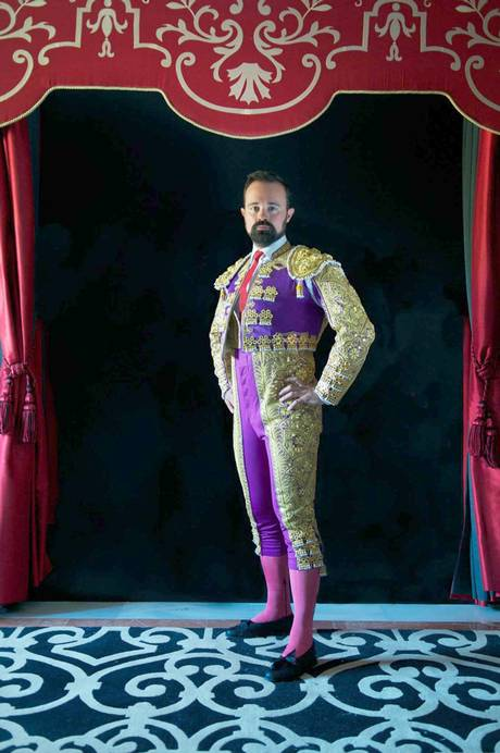 Russian billionaire follows in bullfighter's steps