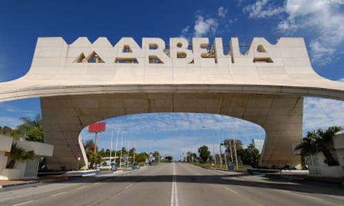 Man shot dead in front of children in Marbella