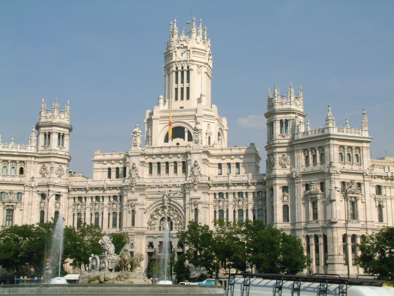 Sightsee in Madrid via the web