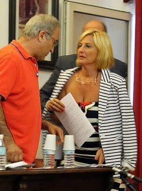 €20,000 phone bill costs Tarifa councillor her job