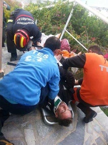La Herradura paraglider in house crash drama