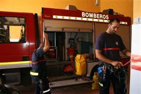 Malaga firefighters reveal all in charity calendar