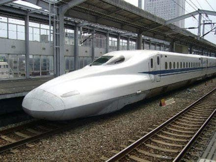 Barcelona to Paris high speed rail service opens