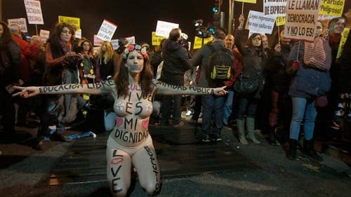 Abortion law protestors to gather outside Spanish embassy in Paris