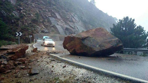 Lucky escape as huge rock fall blocks Ronda road