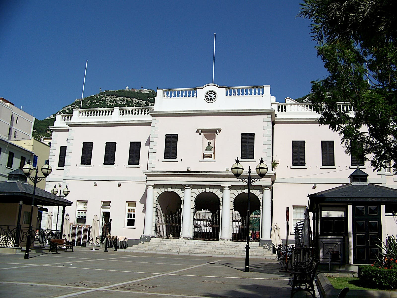 Gibraltar government launches investigation into bullying accusations