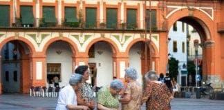 Old women Spain e