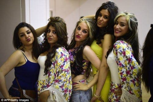 Spanish pageant 'helping hand' for gypsy teens