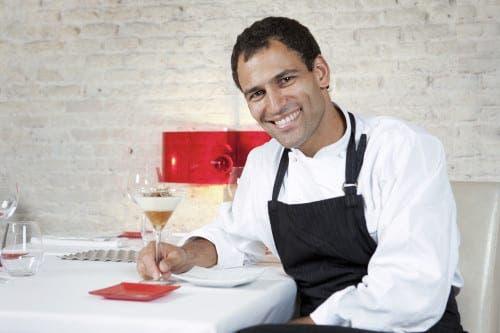 Spanish TV chef Dario Barrio dies in skydive accident