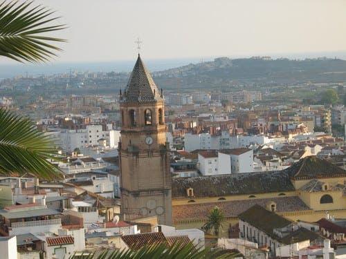 Spaniard in Velez-Malaga attacks family and police responders