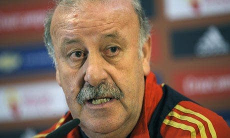 Spanish football federation says they'll keep coach Vicente del Bosque