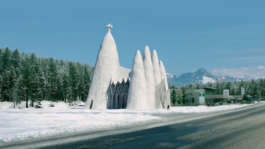 Sagrada Familia being built out of ice in Finland