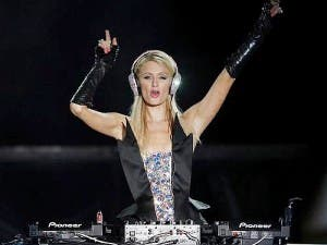 Paris-Hilton-DJ-Pop-Festival-Sao-Paulo-Last-Night-new-song-2012-600x450