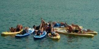 paddleboarding e