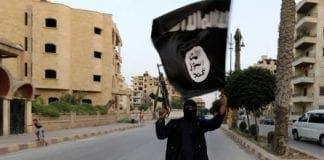Isis flag waver Mosul e